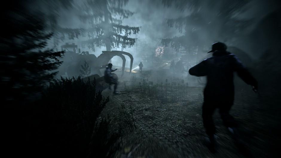 Kuva 5. Päähenkilöstä loitontunut kamera näyttää pelaajaa takaa-ajavat viholliset (Alan Wake).
