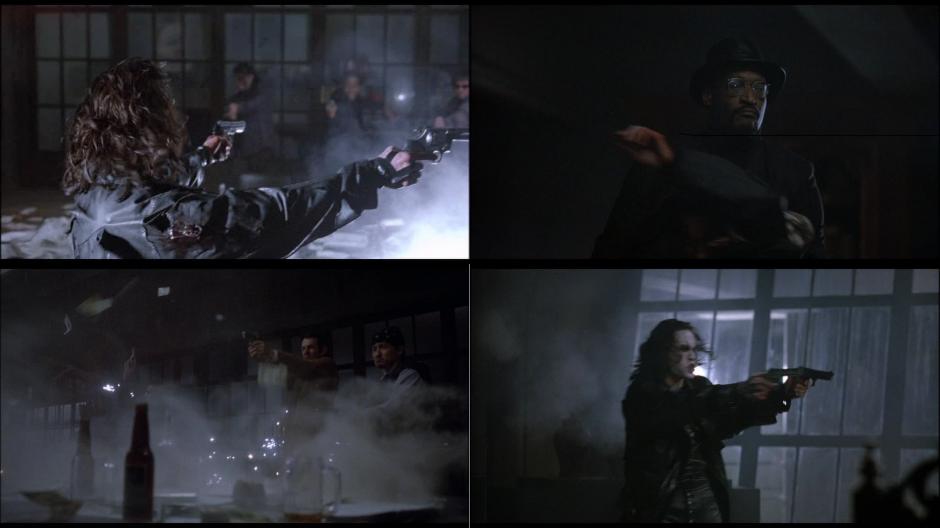 Kuva 9. Muutama sekunti The Crow -elokuvan (1994) taistelukohtauksesta. Neljästä kuvakulmasta vain ensimmäinen olisi pelillisesti käyttökelpoinen.