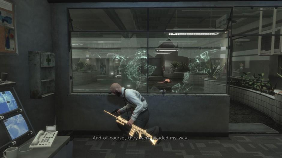 Kuva 10. Tyypillinen toimintakohtauksen kuvakulma. Pelihahmon suhde ympäristön suojiin ja hissistä saapuviin vihollisiin on selkeästi hahmotettavissa informatiivisen kuvakulman ansiosta (Max Payne 3).